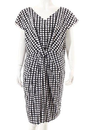 Laurèl Kleid schwarz-weiß grafisches Muster klassischer Stil