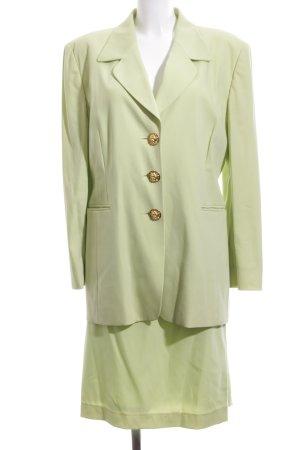 Laurèl Traje para mujer verde look casual