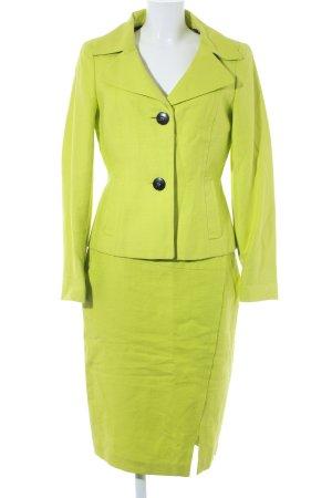 Laurèl Kostüm wiesengrün extravaganter Stil
