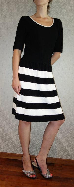 Laurèl Abito di maglia nero-bianco Viscosa