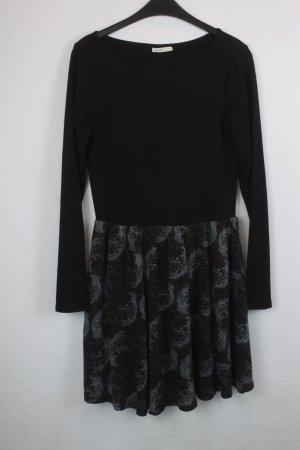 Lavand Kleid Gr. M schwarz/gemustert  (18/6/111)