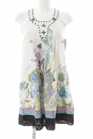 Lavand Pinafore dress floral pattern beach look