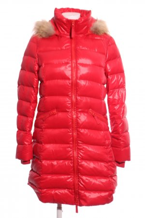 Lawrence Grey Down Coat red quilting pattern casual look