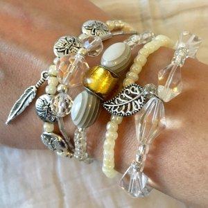 Layer Armband Set dehnbar, 5-teilig gelb weiß silber Boho Hippie Festival