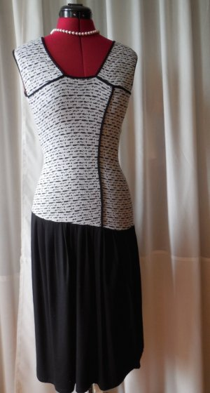Laziva Kleid Feinstrickleid Gr. S/M schwarz/weiß Designermanufaktur