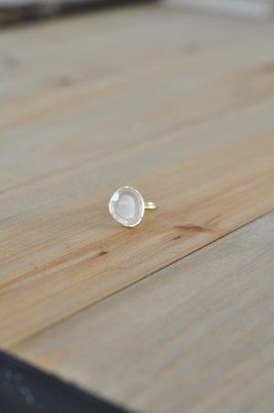 Leaf Ring mit Stein rosé gold