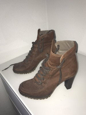 Gero Mure Lace-up Booties brown