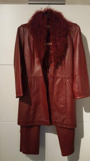 Leder Anzug mit echtem Fellkragen