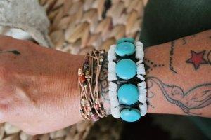 Leder Armband mit echten türkisen