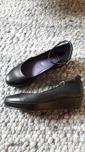 Vagabond Strappy Ballerinas black leather