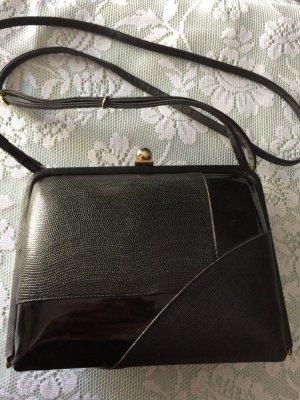 Bolso con correa negro