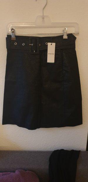 Pieces Falda de cuero negro