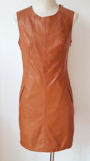 Leder Etui Kleid in einem schönen Braunton