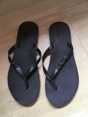 American Eagle Outfitters Flip-Flop Sandals brown