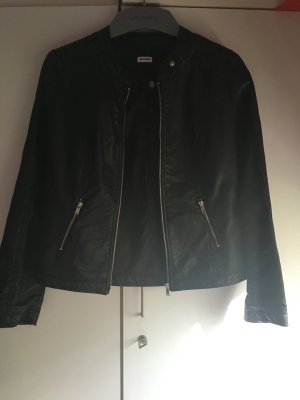 Leder Jacke in schwarz Größe 40