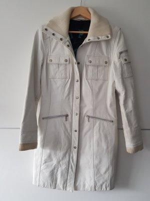 Manteau en cuir blanc