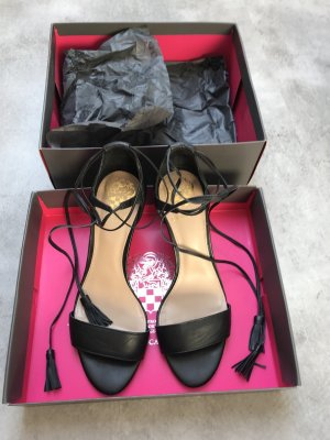Vince Camuto Strapped pumps black