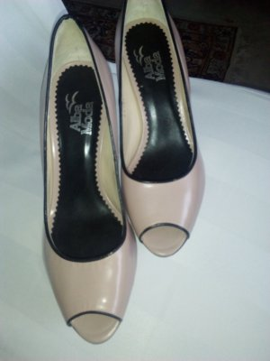 Alba Moda Pumps beige leather
