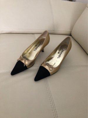 Chanel Zapatos de punta amarillo claro