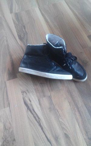 Leder Schuhe von Esprit.