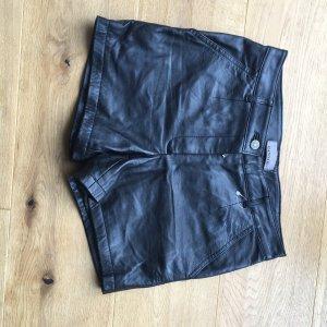 Leder Shorts schwarz Größe 36