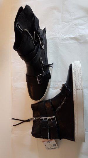 Leder-Sneaker mit Riemen