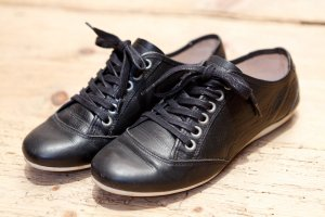 Leder-Sneakers schwarz von Aces of London