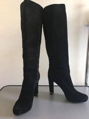 Louis Vuitton Winter Booties black suede