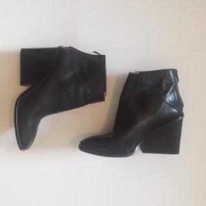 Leder Stiefel Stiefeletten von Zara Keilabsatz w. NEU schwarz Gr. 41