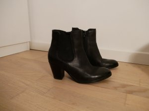 5th Avenue Booties black leather