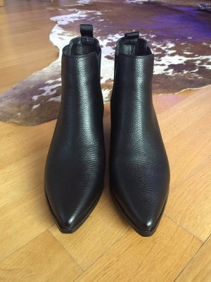 Stivaletto slip-on nero