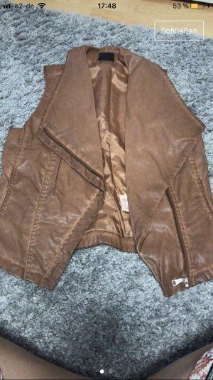 Chaleco de cuero marrón