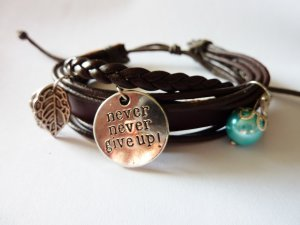 Bracelet en cuir brun-gris clair faux cuir