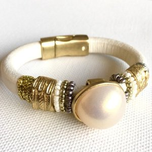 Lederarmband Perle - gold/perlmuttweiß