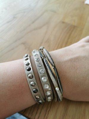 Bracelet en cuir argenté-beige