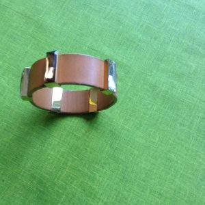 Bangle sand brown