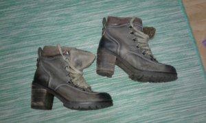 Winter Booties grey brown