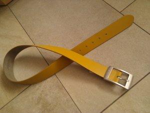 Ledergürtel in Gelb - 80 cm - silbermatte Schnalle - top Zustand