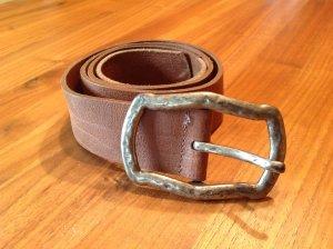 Cinturón de cuero marrón claro