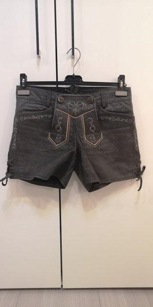 Lederhose, Hot pants