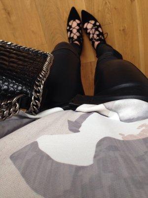 Lederhose in guter Qualität aus Kunstleder, kaum getragen, Größe 36