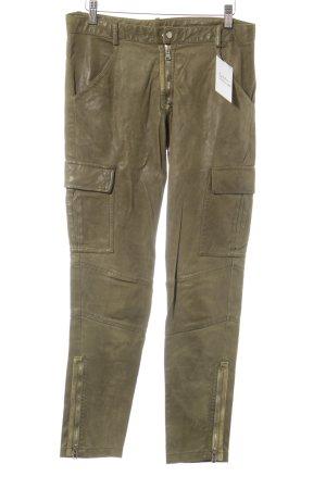 Pantalone in pelle verde oliva stile militare