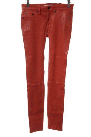 Lederhose ziegelrot Street-Fashion-Look