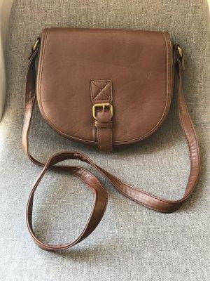Lederimitat-Tasche mit Schnallendetail