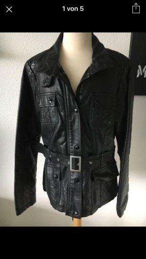 Lederjacke schwarz mit Gürtel Gr. 40