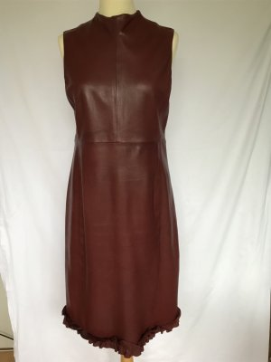 Lederkleid in Bordeaux von Bally.