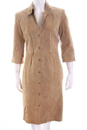 Abrigo de cuero marrón claro look casual