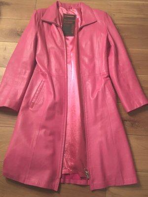 Prada Abrigo de cuero rosa