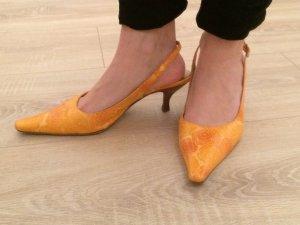 Lederpumps in orange von Ana Bonilla