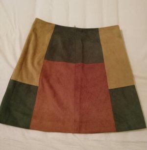 Falda asimétrica multicolor